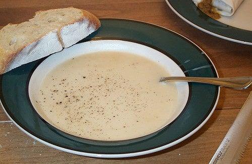 Zuppa di cipolla e aglio per combattere l'influenza