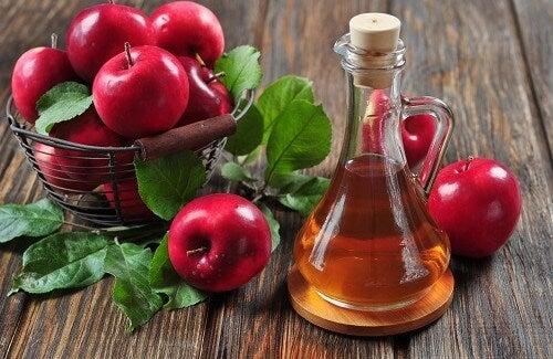 I molteplici impieghi dell'aceto di mele