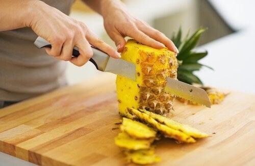 Mangiare ananas per dimagrire ed eliminare le tossine
