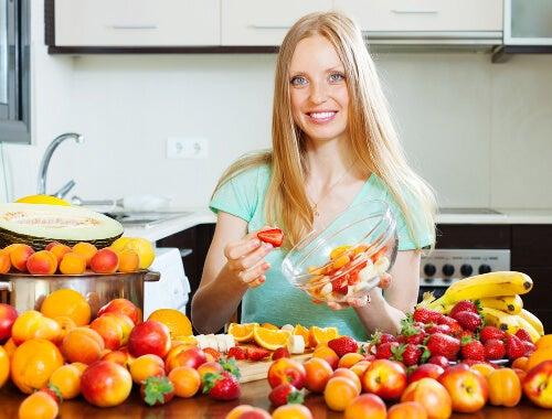 Mangiare frutta