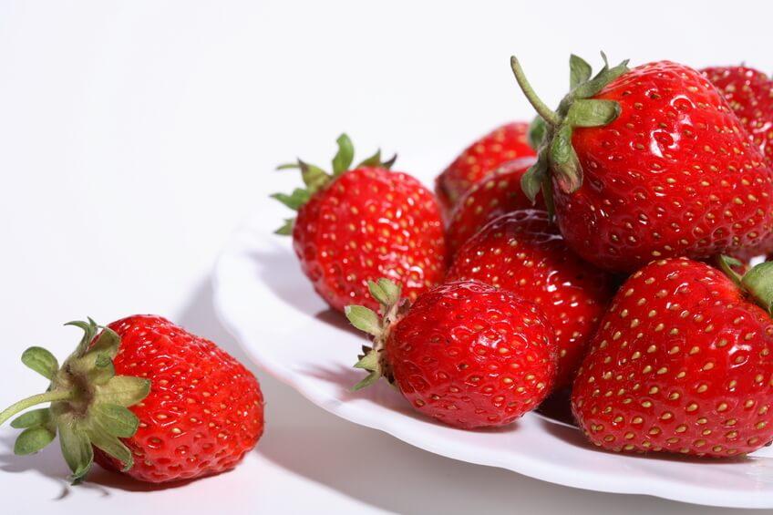 Le fragole hanno un lieve effetto lassativo, l'ideale per chi soffre di stitichezza.