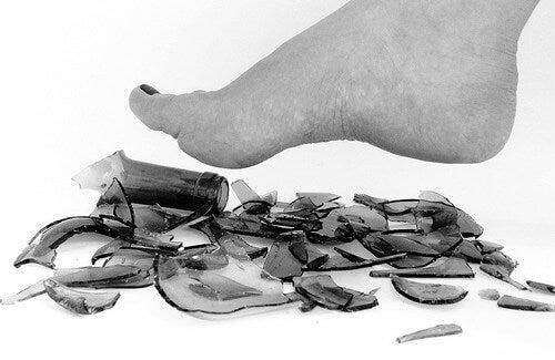 Consigli e trucchi fai da te contro il mal di piedi