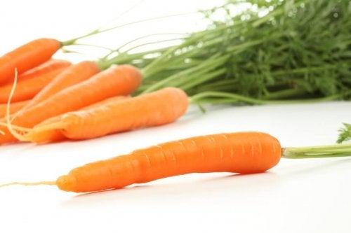prevenire osteoporosi in maniera naturale con le carote