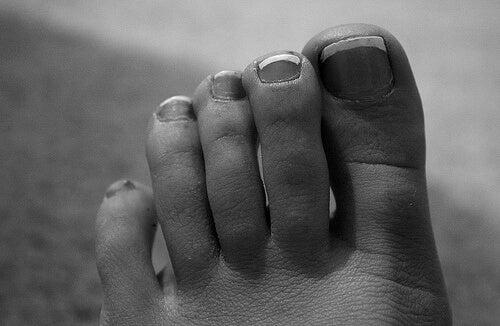 Primo piano delle dita dei piedi