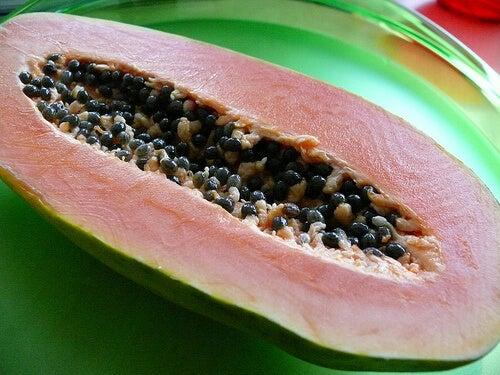 Papaya a metà