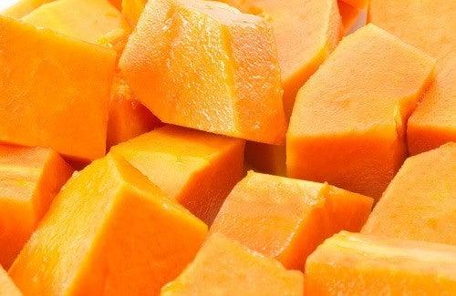 Papaia per eliminare le macchie sulla pelle
