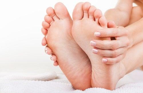 Cattivo odore dei piedi, ecco come combatterlo