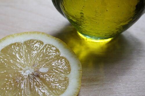 olio e limone per prevenire capelli bianchi