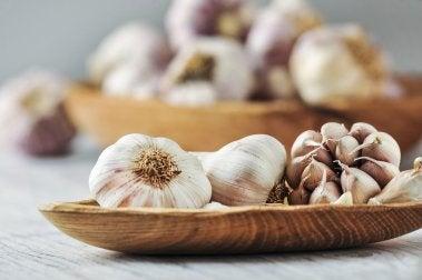 L'aglio ha numerose proprietà medicinali
