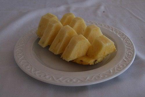 Fettine di ananas