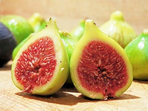 fichi frutta e verdura che danno energia