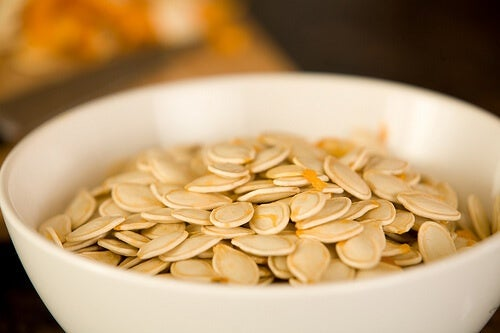 I semi di zucca sono uno degli alimenti più potenti per eliminare i parassiti