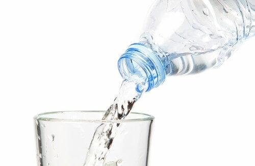 Qual è la giusta quantità d'acqua da bere al giorno?