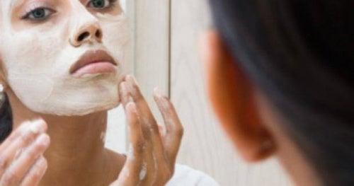 Pulizia del viso da fare in casa