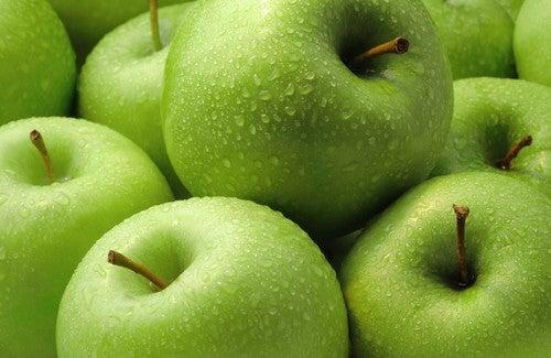 I benefici di una mela al giorno