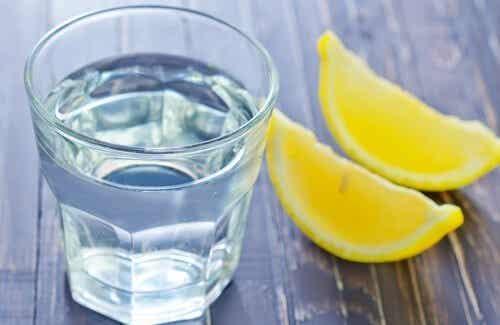 Rimedi casalinghi a base di limone