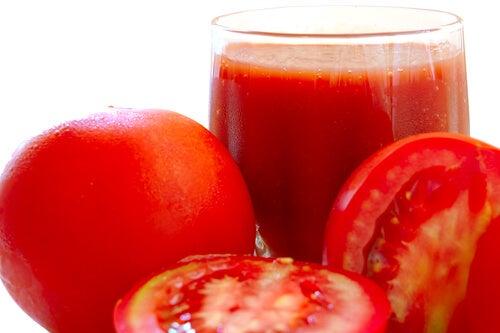 Succhi-naturali di-pomodoro