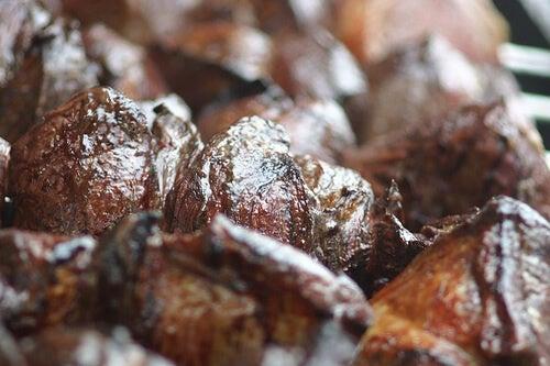 Le carni non lavorate sono uno dei cibi che fanno ingrassare oltre ad alzare il colesterolo cattivo