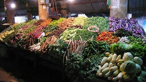 Le verdure sono tra i cibi che fanno ingrassare di meno