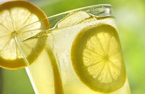Acqua al limone