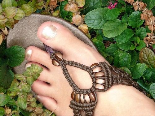 piedi sani con unghie curate