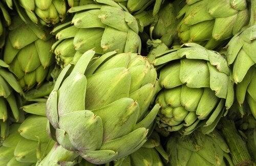 Mangiare carciofi: 10 buoni motivi
