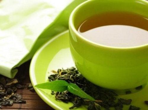 Bere tè verde è un trucco per perdere peso senza soffrire