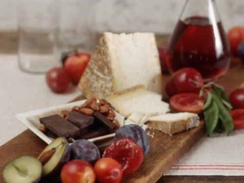 formaggio, cioccolato e cibi che peggiorano l'emicrania