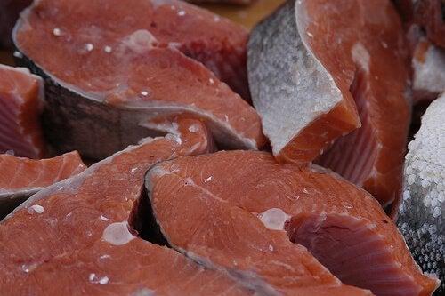 Salmone tra alimenti per prevenire il cancro del colon-retto