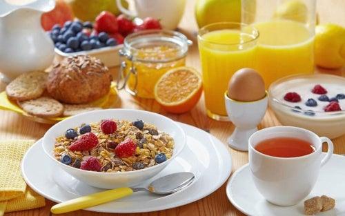 fare una colazione completa