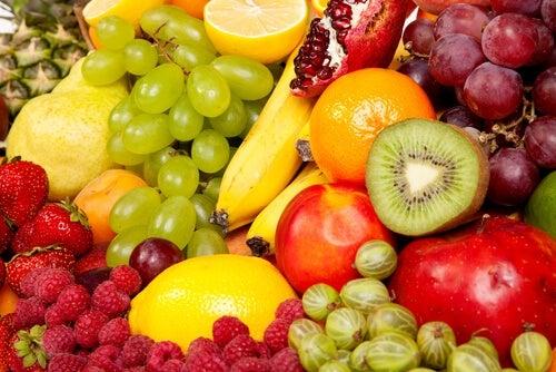 Frutta colorata di stagione