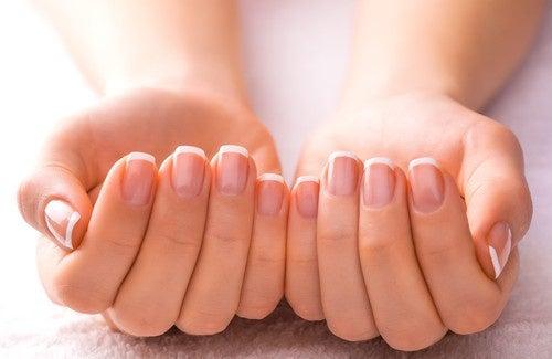 Trucchi per avere unghie belle e sane