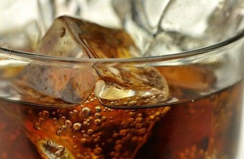 Bevande da evitare e le loro alternative salutari