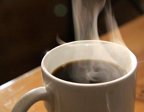 il caffè è uno dei 9 brucia grassi naturali