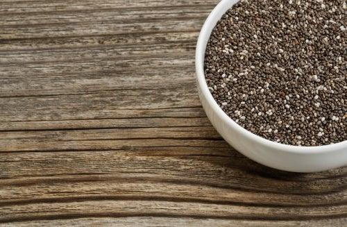 Ciotola con semi di chia