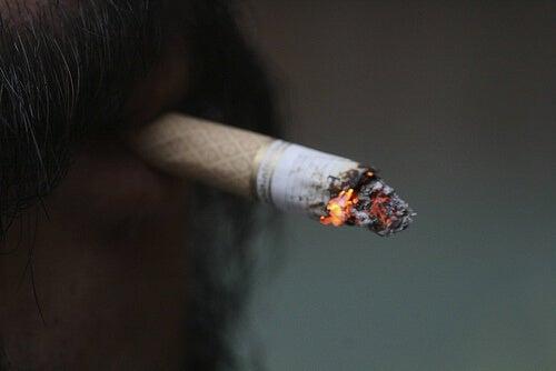 Uomo che fuma