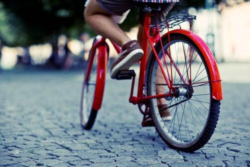 pedalare è un ottimo esercizio per le vene varicose
