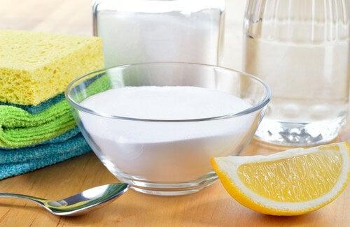 I migliori prodotti naturali per le pulizie di casa vivere pi sani - Prodotti per pulire casa ...