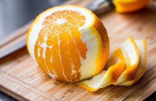Grandi benefici della scorza d'arancia