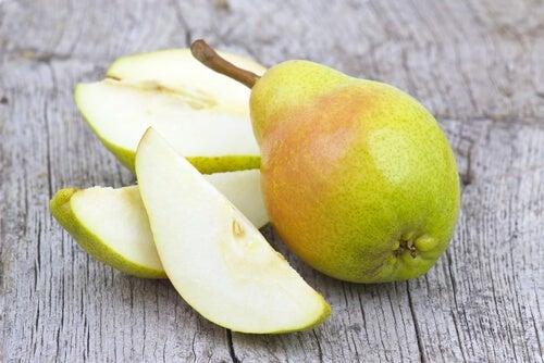 La pera è uno dei frutti per combattere la gastrite