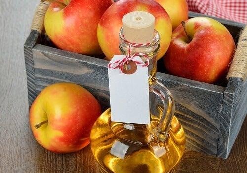 Aceto di mele per le pulizie di casa