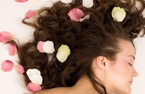 Profumi naturali per i capelli