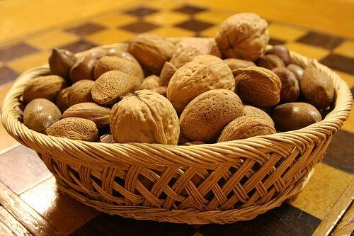 Frutta secca tra gli alimenti antidepressivi