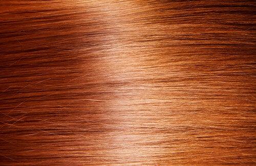 9 rimedi naturali per dare lucentezza ai capelli