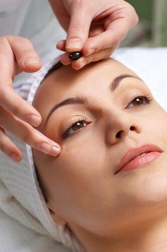 massaggio per ridurre l'affaticamento della vista