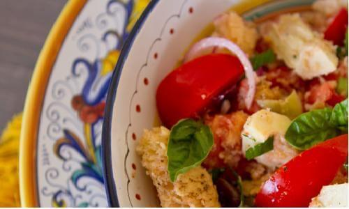 Fresca e gustosa: la panzanella di Firenze!