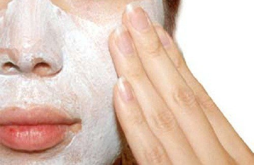 Perché e come bisogna esfoliare la pelle?