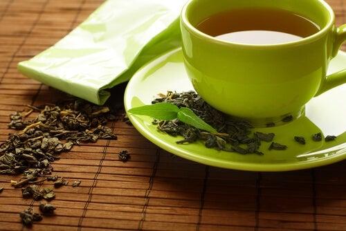 Tè verde per migliorare aspetto delle ciglia ciglia