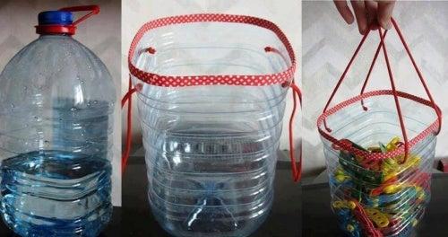 cestino per mollette bucato con bottiglia