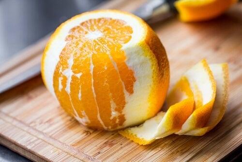 mai buttare la buccia d'arancia